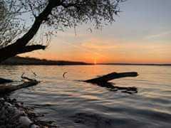 Bild könnte enthalten: Ozean, Himmel, Dämmerung, im Freien, Wasser und Natur
